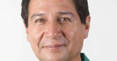 """Dr.Raúl Mendiola:""""¿Cual es el interés de poner a una Bachiller en Economía como Pdta de EsSalud, y manejar casi 12 mil millones de soles?"""