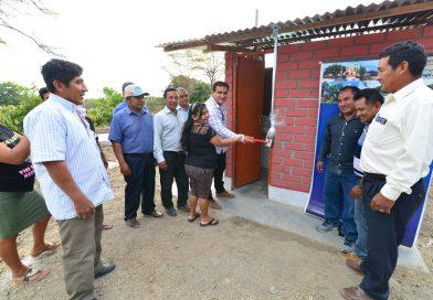 50 familias en la zona de Tejedores reciben baños dignos y letrinas